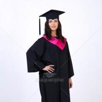 Мантия с розовым воротом для выпускного