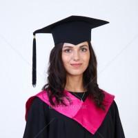 Прокат мантий с розовым воротом для выпускников