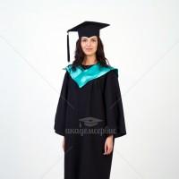 Мантии с зеленым воротом для выпускников