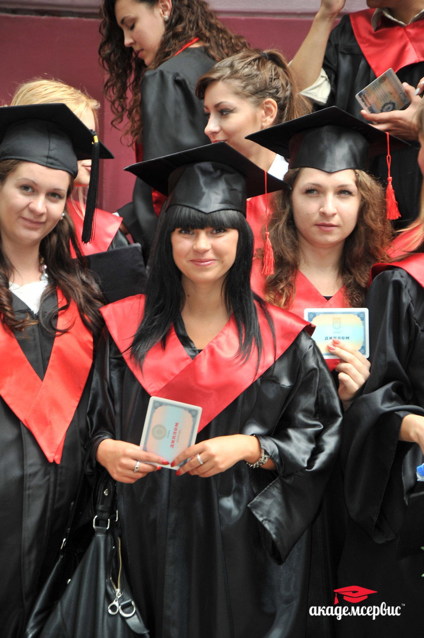 Прокат мантий в Одесском государственном экономическом университете (фото)