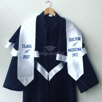 Пример мантии для выпускников медицинского факультета университета Каразина — Харьков