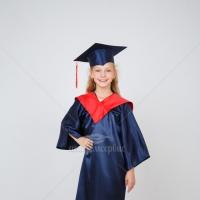 Классическая черная детская мантия