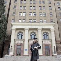 Чорні мантії випускників